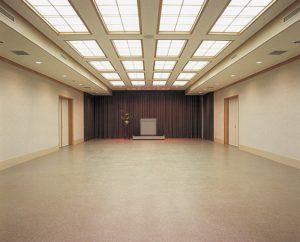 講堂内部1階